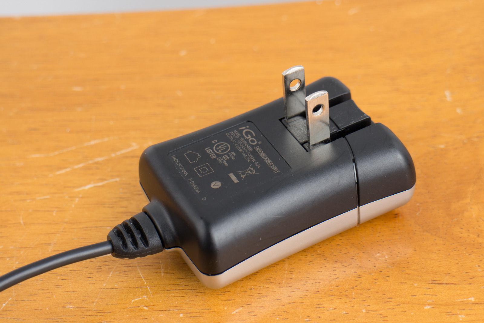 iGo AC Adapter 6630043-0311 Micro USB 4.2 - 6V 0.75A