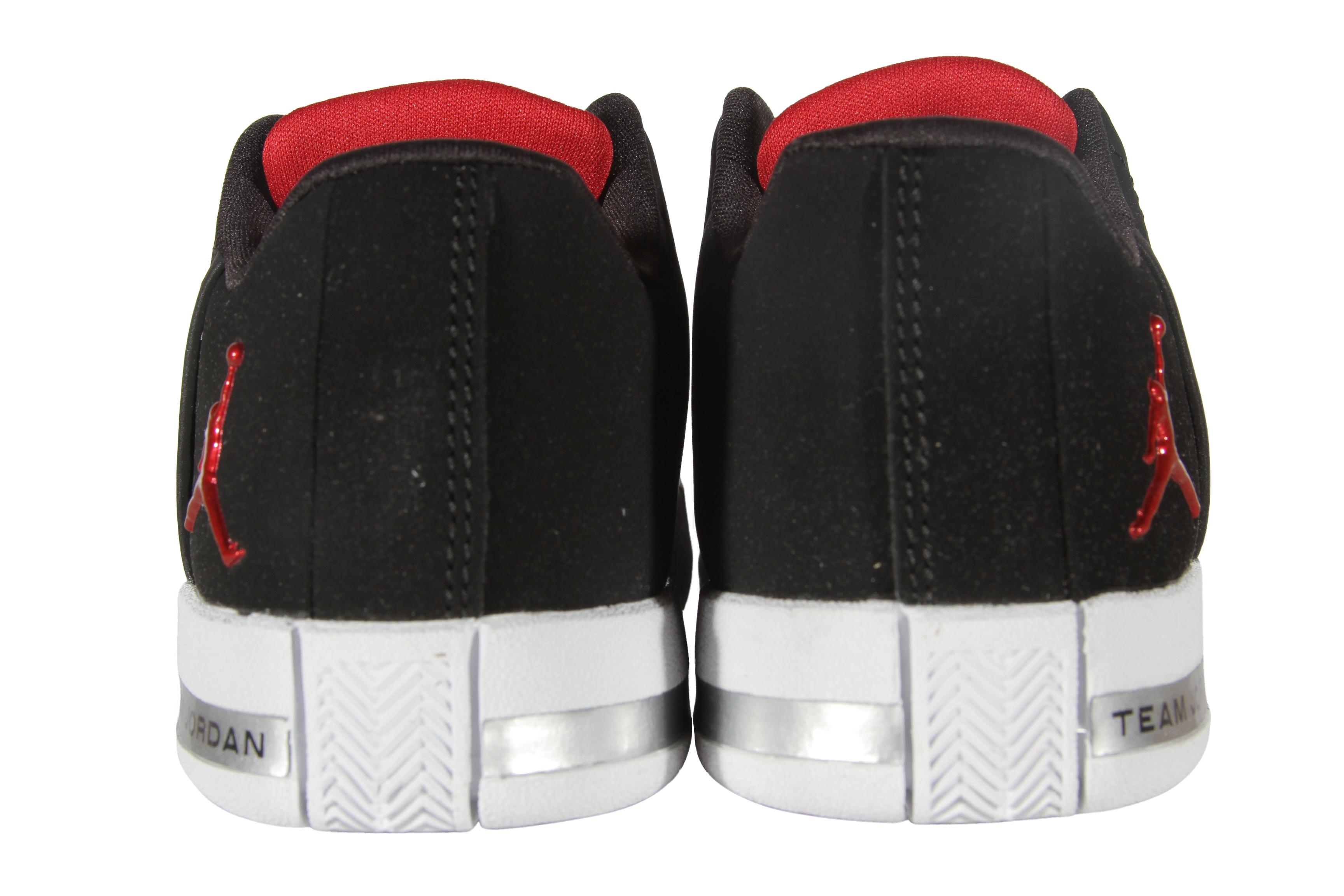 4ec3a66d9524e1 Jordan Team Elite 2 Low BP Boy s Pre-School (Little Kids) Shoes ...