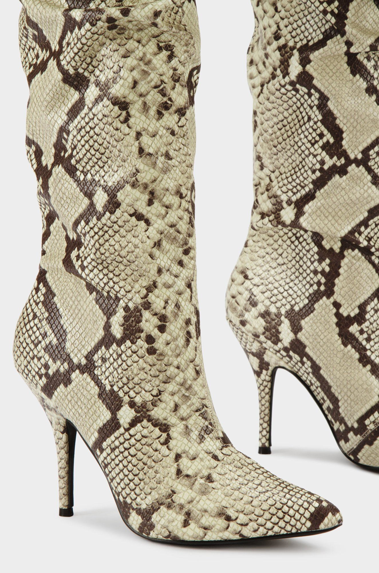 Cape-Robbin-Bown-Snake-Thigh-High-Slouch-Pointed-Toe-Over-The-Knee-Stiletto-Boot thumbnail 41