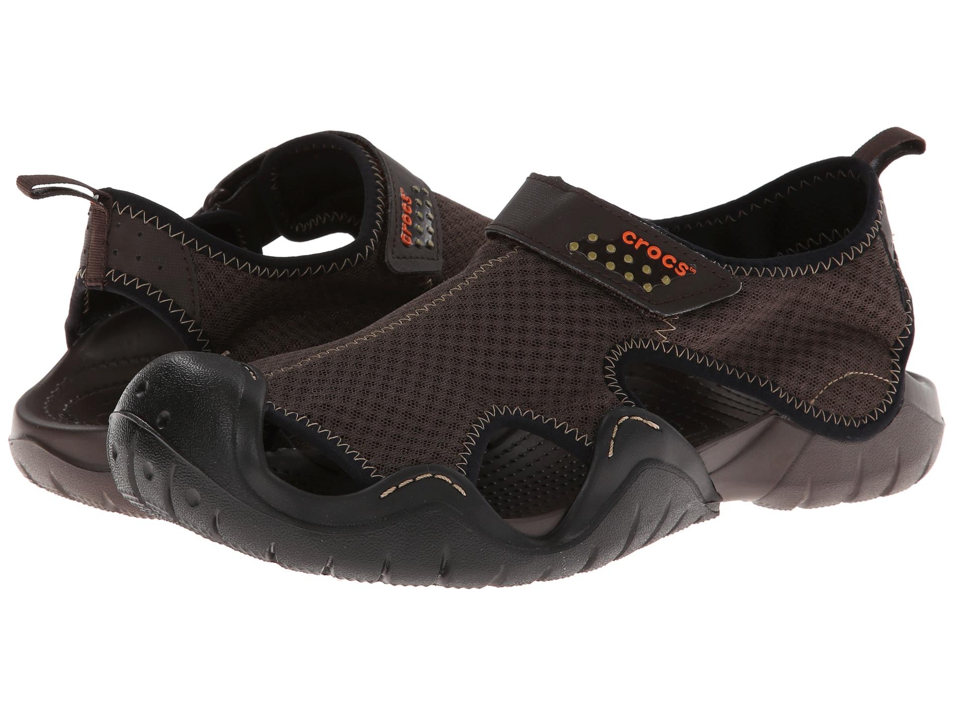 Crocs SWIFTWATER - Sandals - espresso Jagmor