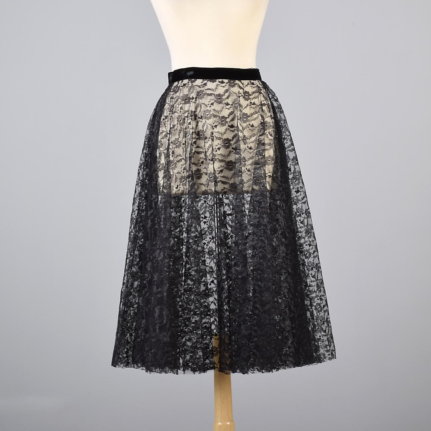 50s Lace Rockabilly Circle Skirt Swing Pinup Skirt L XL by  SMART SET Sportswear Black and Brown Lace Overlay Over White Satin