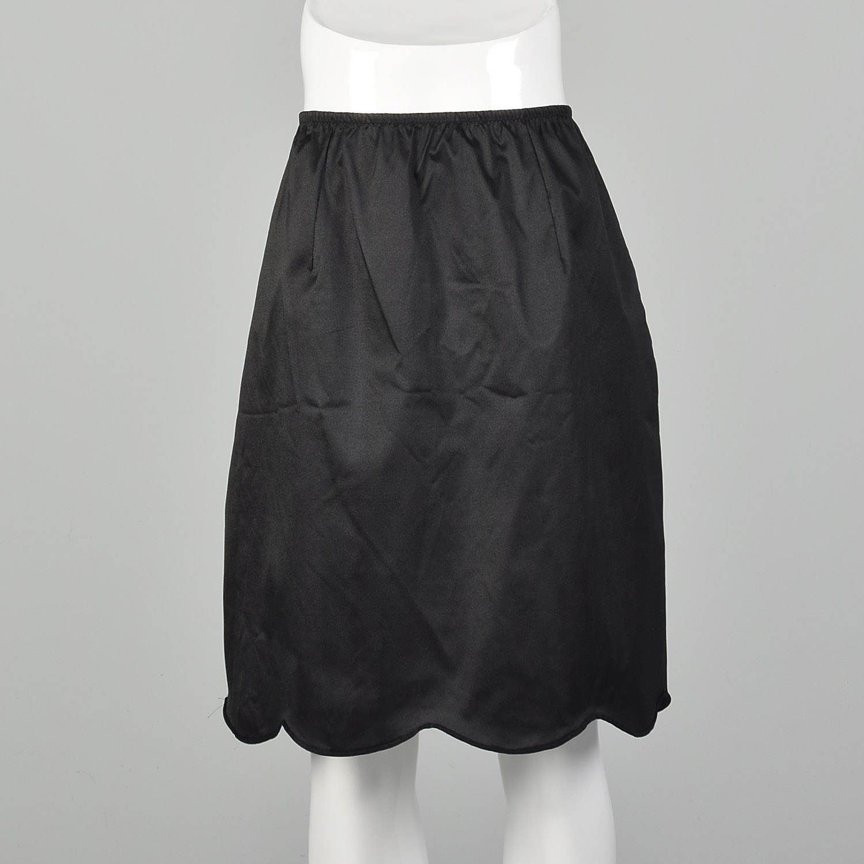 Black Half Slip by Vanity Fair Size Small 1970/'s