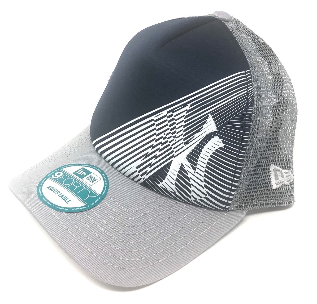 Oakley-Men-039-s-New-York-Yankees-New-Era-9FORTY-MLB-Baseball-Trucker-Hat-Cap miniature 3