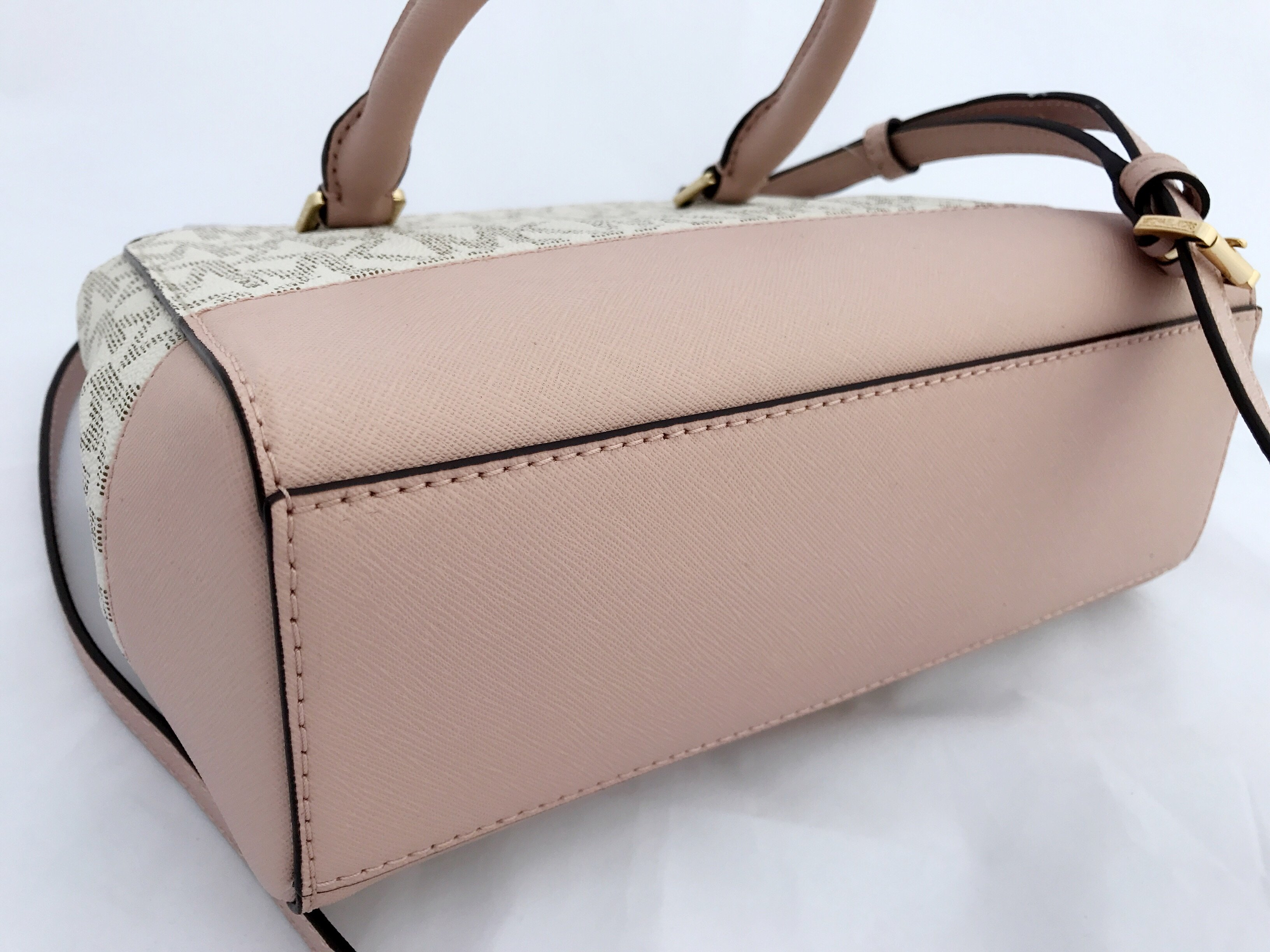 1d7bcba2e5e3 Michael Kors Kellen XS Satchel Vanilla MK Signature Ballet Pink Crossbody  Bag | eBay