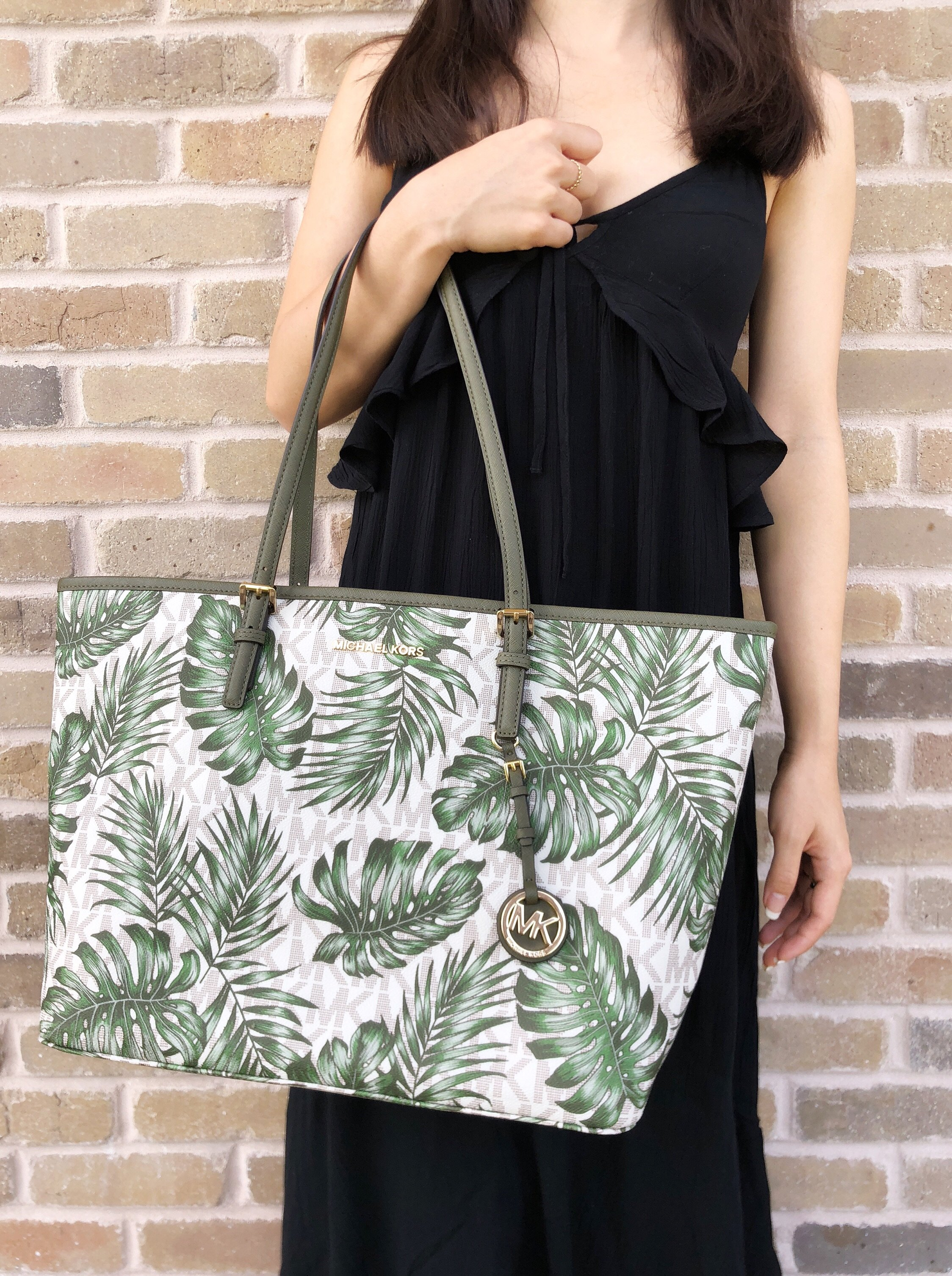 82940422bfc1a6 Michael Kors Jet Set Travel Large Carryall Tote Vanilla Olive Green Palm  Leaves
