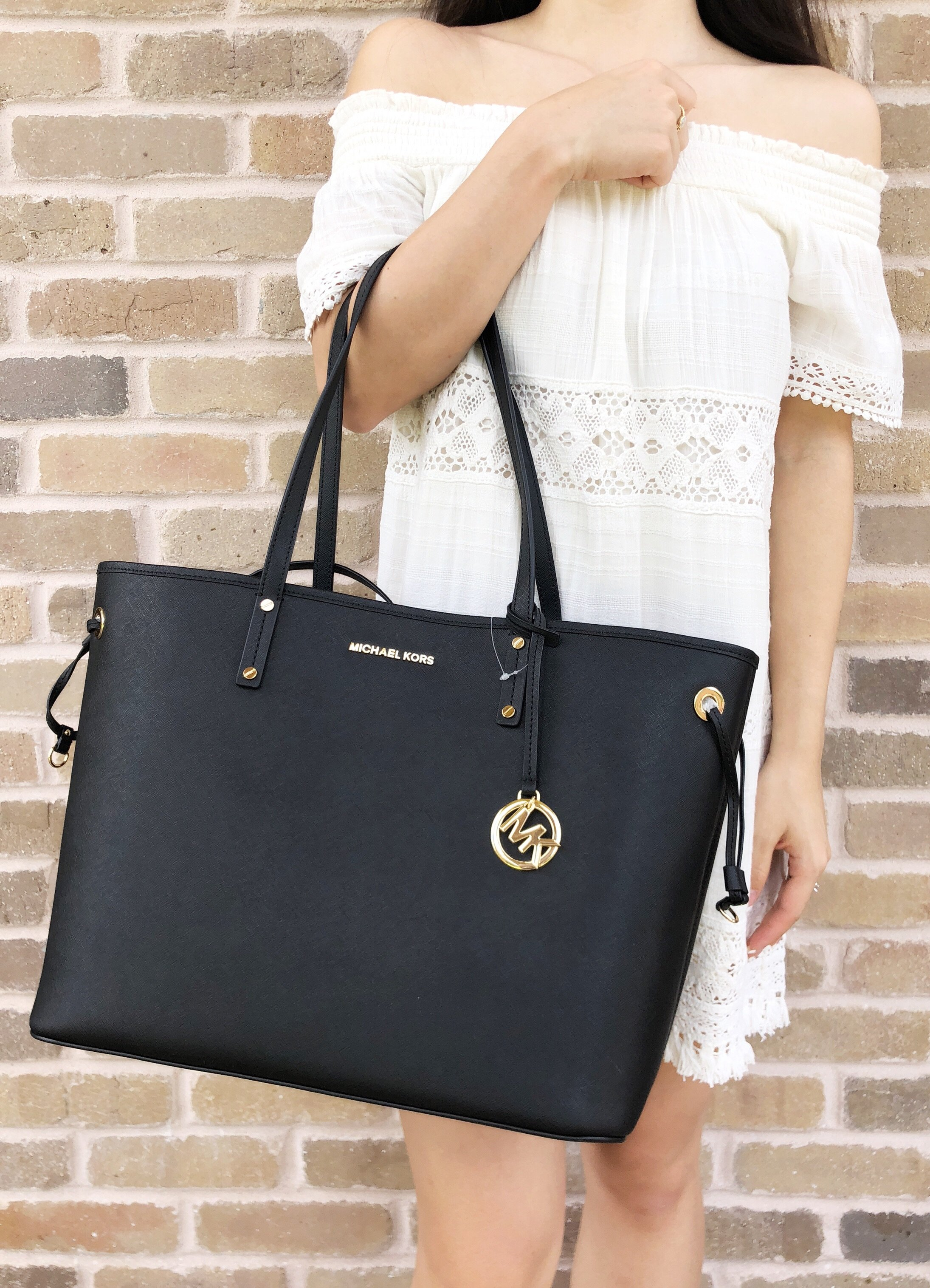 09f6a278be Details about Michael Kors Jet Set Travel Large Drawstring Tote Black  Leather Pouch