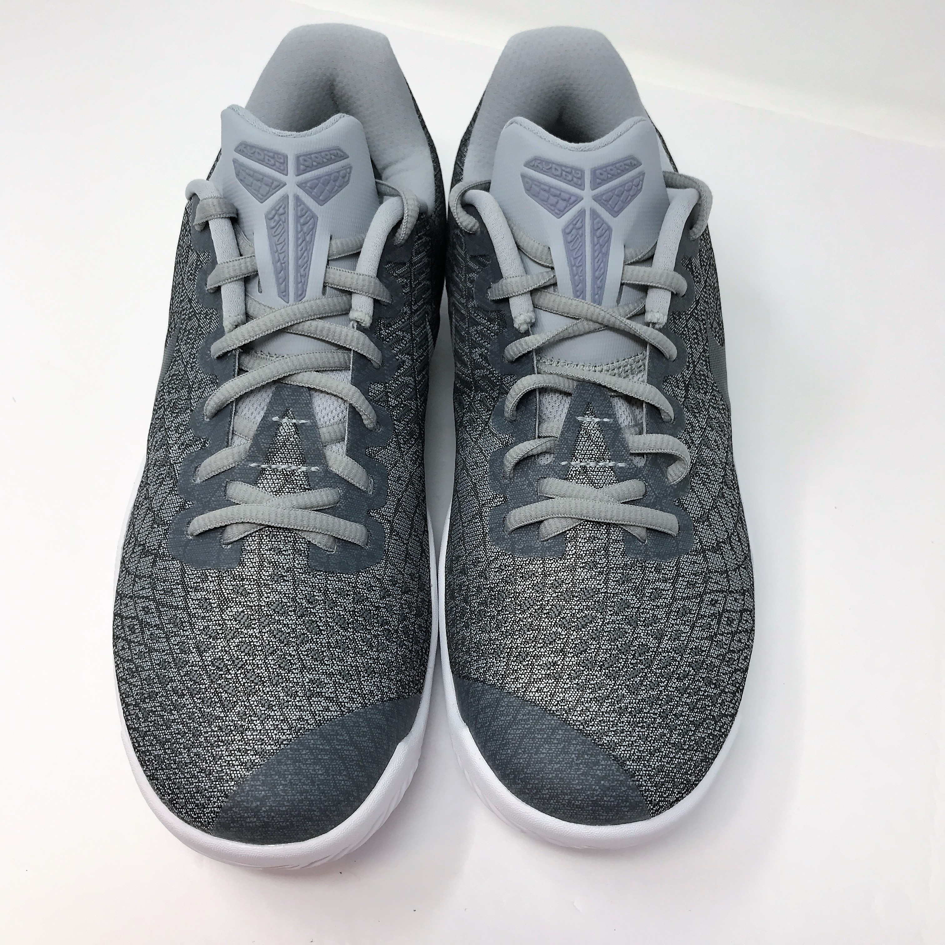 7a14174b695e Nike Mamba Instinct Men s US Size 8.5 Pure Platinum Basketball Shoes ...