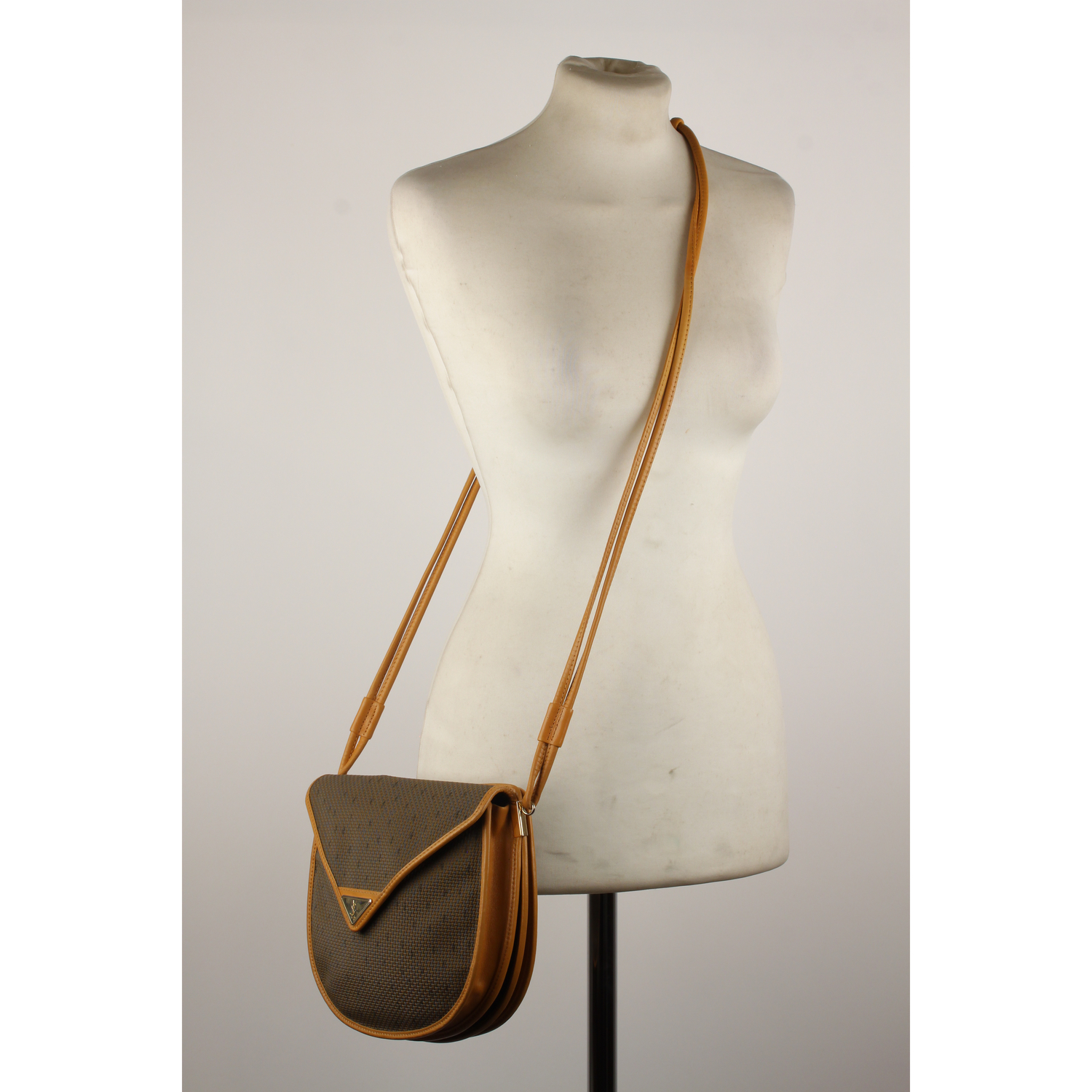 d43ee8ff Authentic Yves Saint Laurent Vintage Tan Textured Canvas Crossbody ...