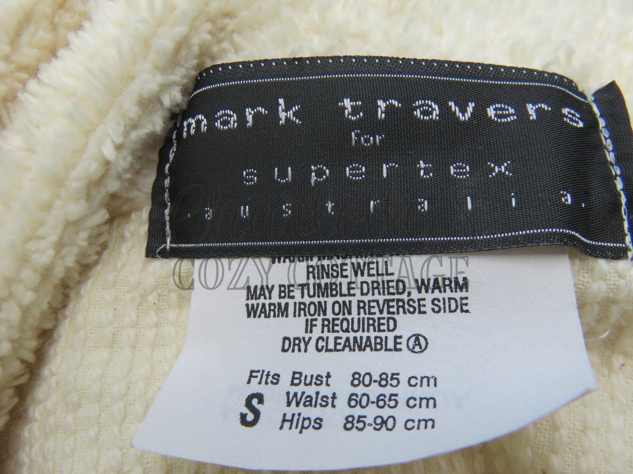 Mark Travers Robes
