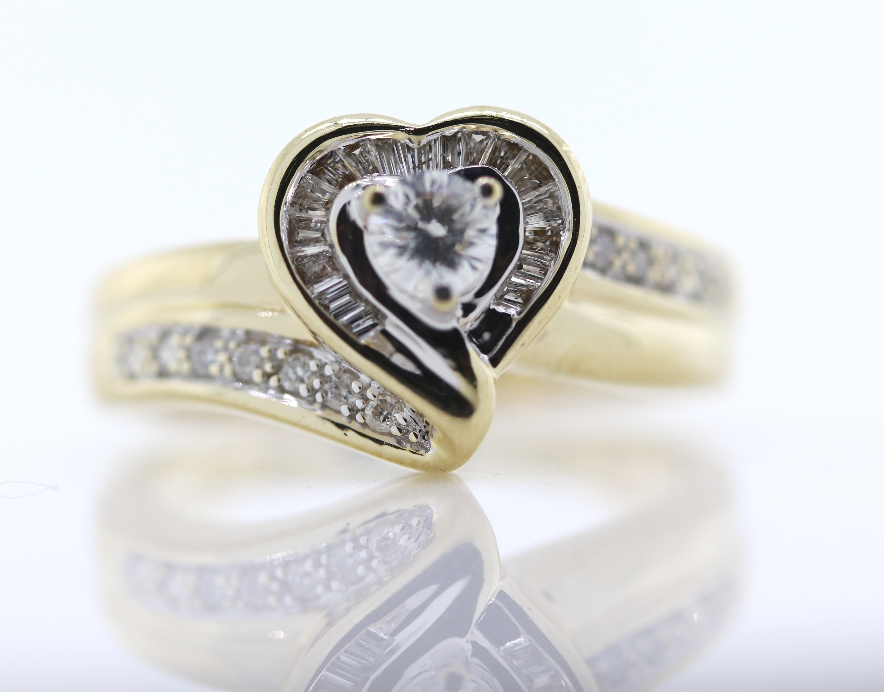 Vintage wedding ring 14k white gold diamond ring   Fine Estate Jewelry genuine 3 Diamond band size 6.5 and is sizable weighs 2 grams