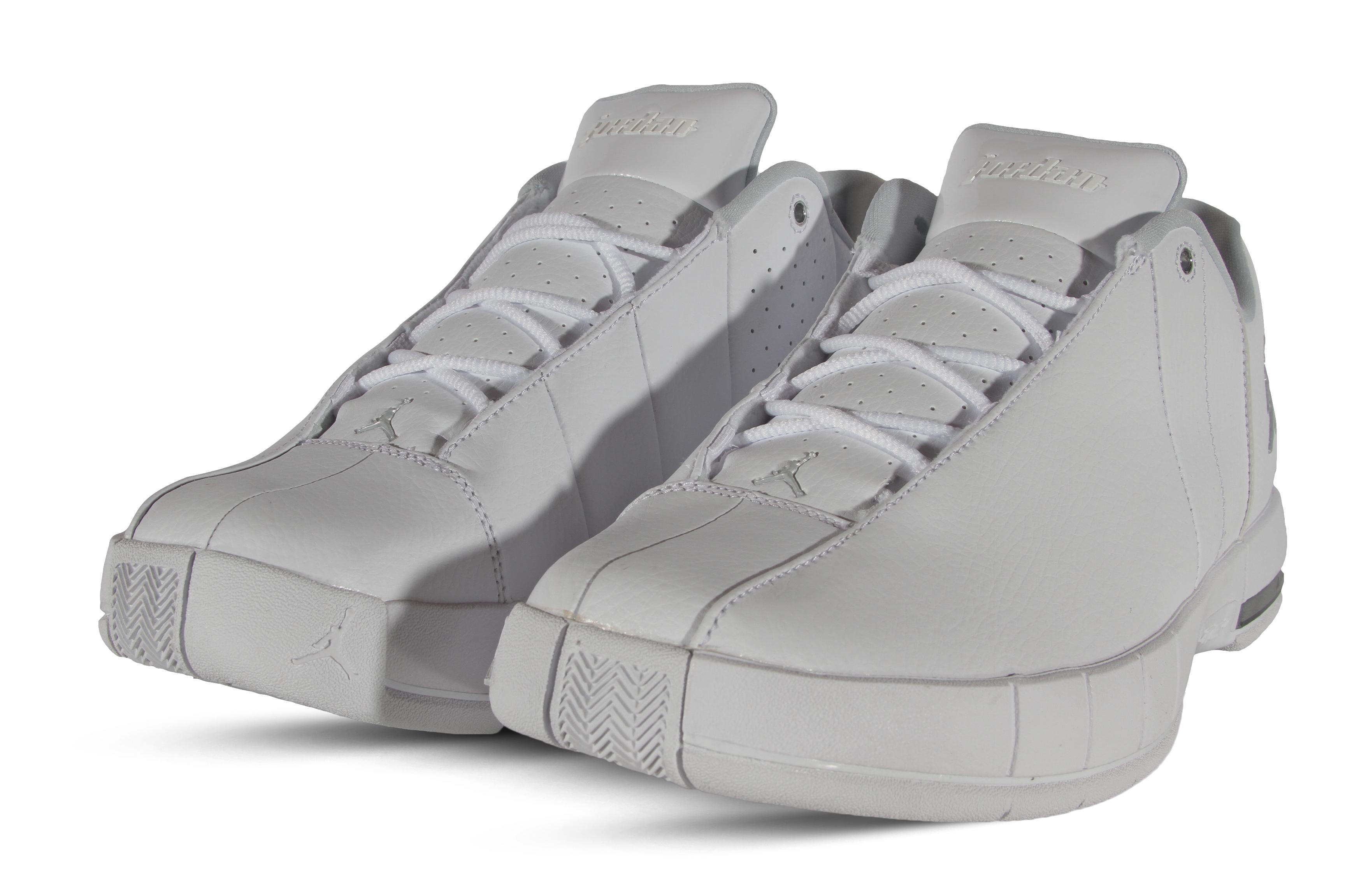 2fcee00f9278de Jordan Team Elite 2 Low Men s Basketball Shoes AO1696-100