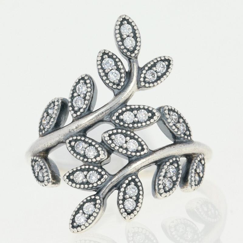 anello pandora foglie luccicanti
