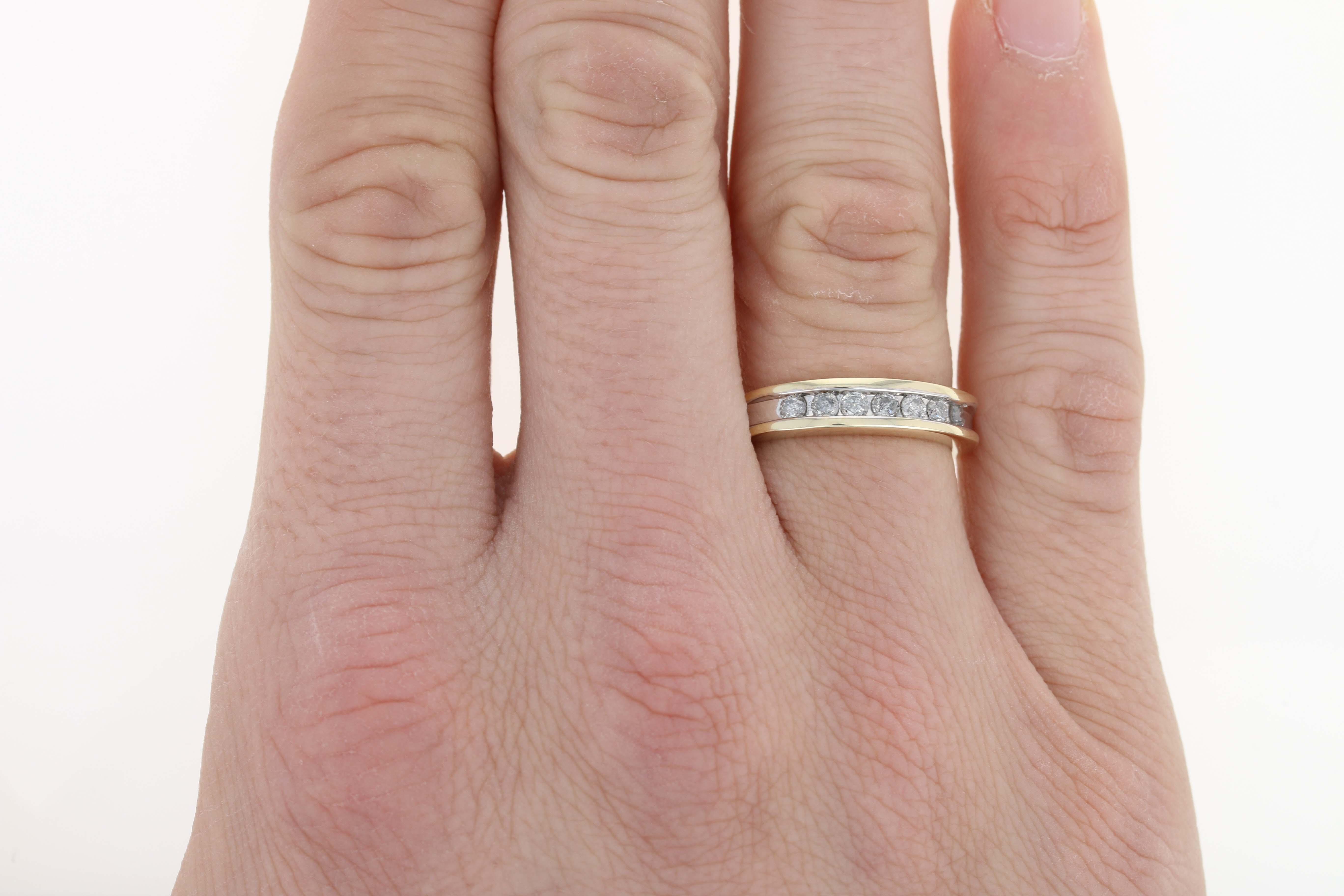 Men\'s Diamond Wedding Band - 10k Yellow Gold Ring Size 9 Round Cut ...