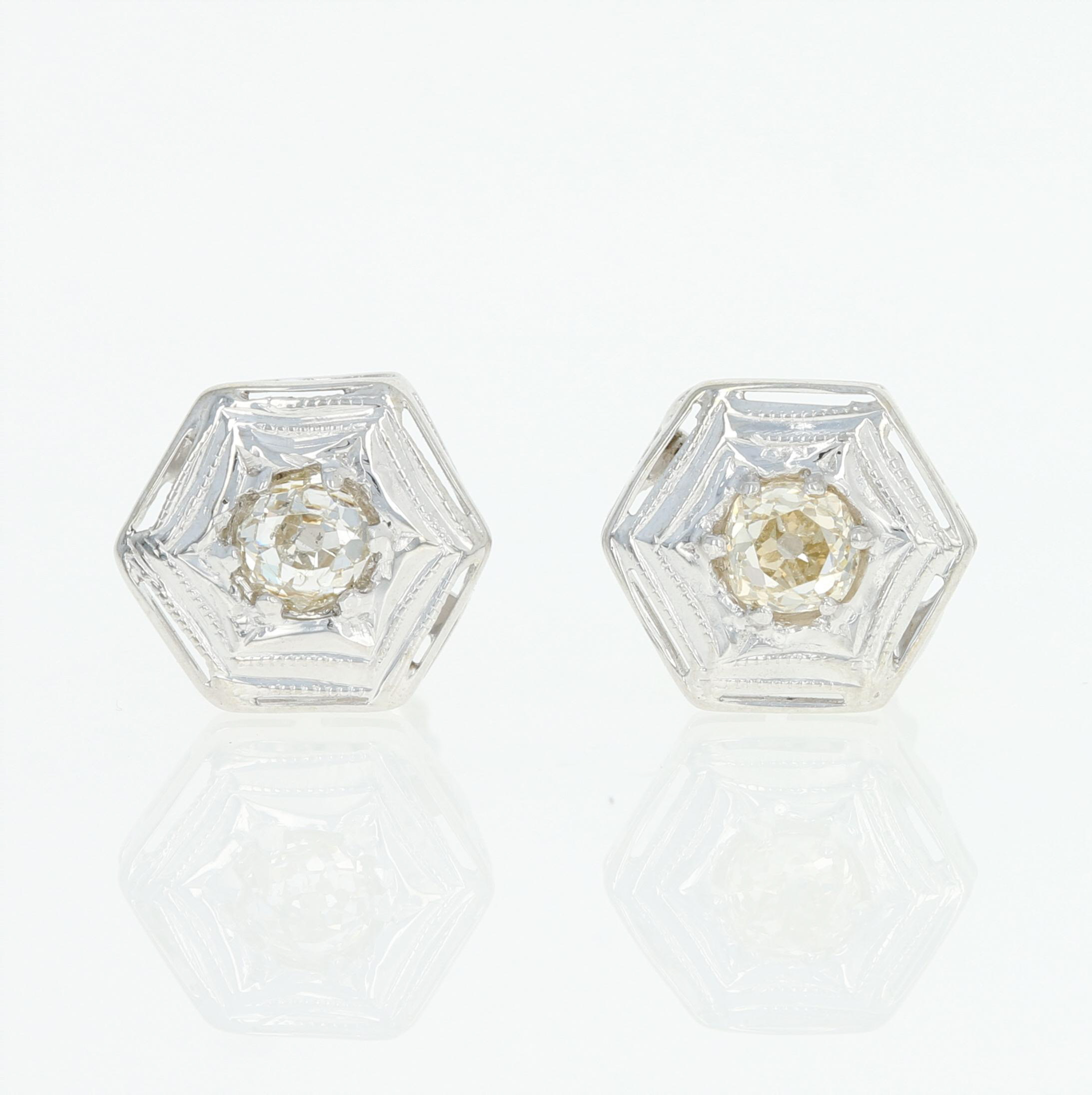 earrings this gold is the a three vintage weighs sold pair white of grams img triangle stud in antique diamond pearl
